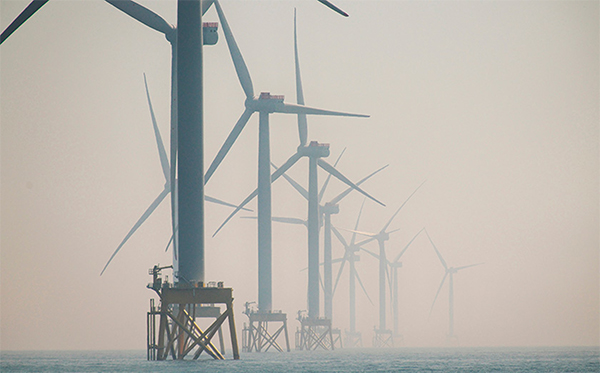 News: East Anglia ONE offshore wind farm reaches milestone. Read full article here: http://ow.ly/JCND50AL6so #offshorewind #windfarm #renewableenergypic.twitter.com/97cytmyp0Q