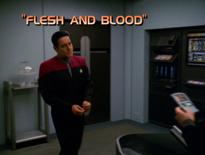 The One With the Most Dangerous Holographic Game.  (Flesh and Blood, Star Trek Voyager, Season 7 Episode 9)  #startrek pic.twitter.com/iBaN3yBowP