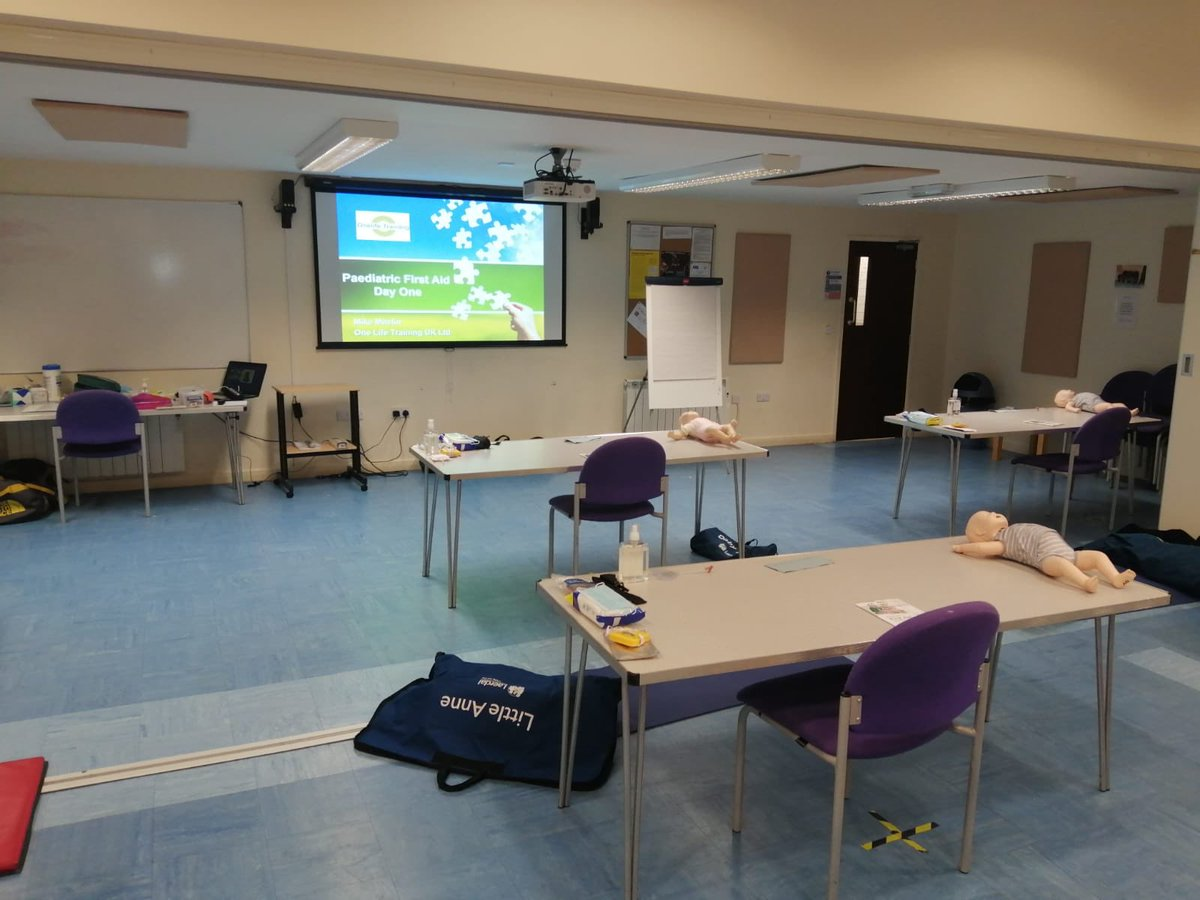 It was a hot one! But a great day 1 of our paediatric first aid course, and we didn't melt! Well done all and thanks for coming #paediatric #firstaidtraining #lifesavingskillspic.twitter.com/Di2H1rlrm3