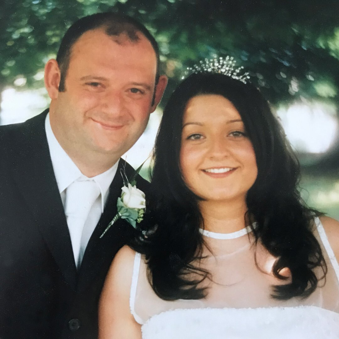Can't believe this was 17 years ago. Happy Anniversary to my gorgeous wife! XXX #weddinganniversary @ButtonandJewelspic.twitter.com/2UhBsS4vOL