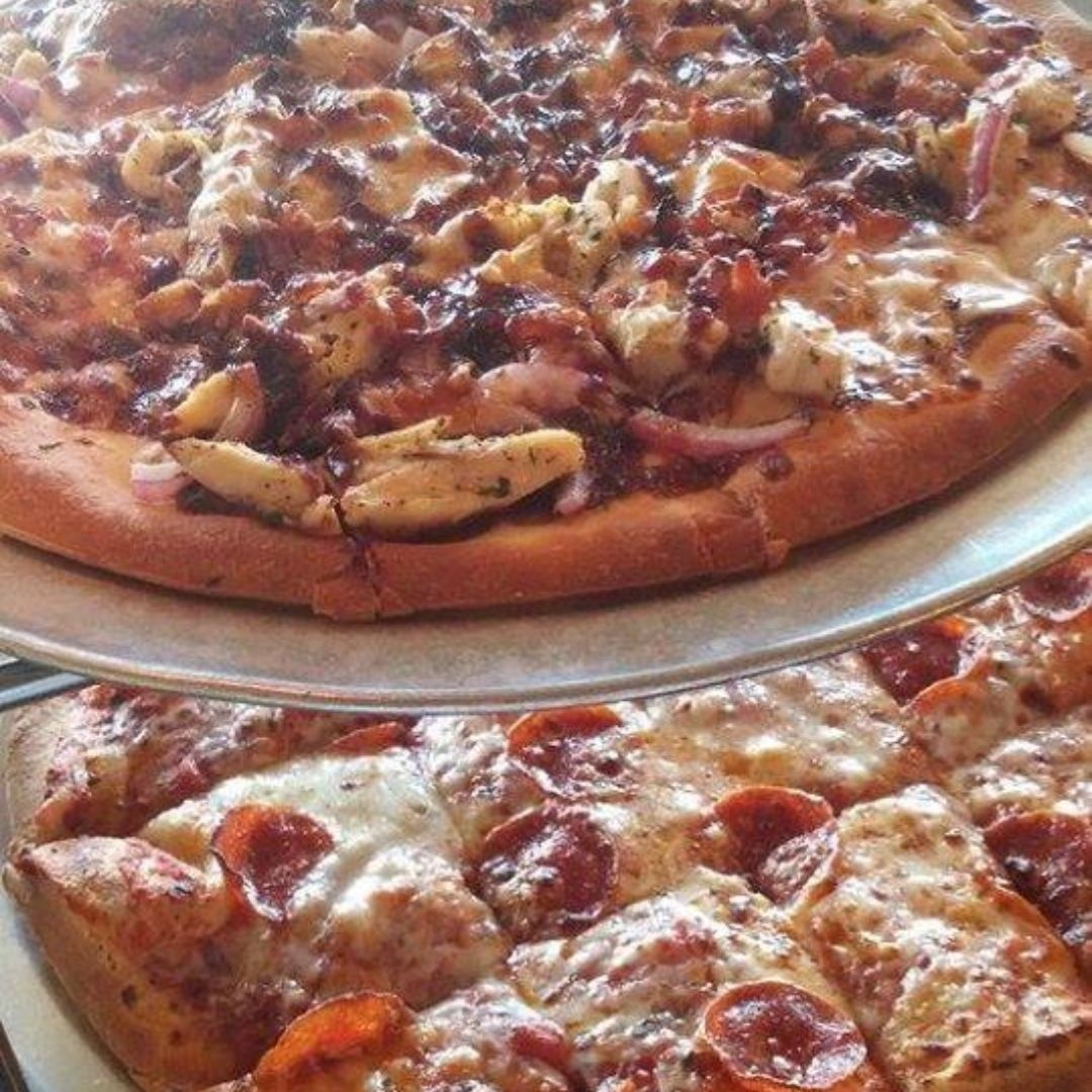 Zazza is a treasure trove of food near you...Call  936-271-2776 for delivery.  #zazzapizzacafe #italianfood #pizzanearme #pasta #conroetx #texaspic.twitter.com/GemTVP62JF