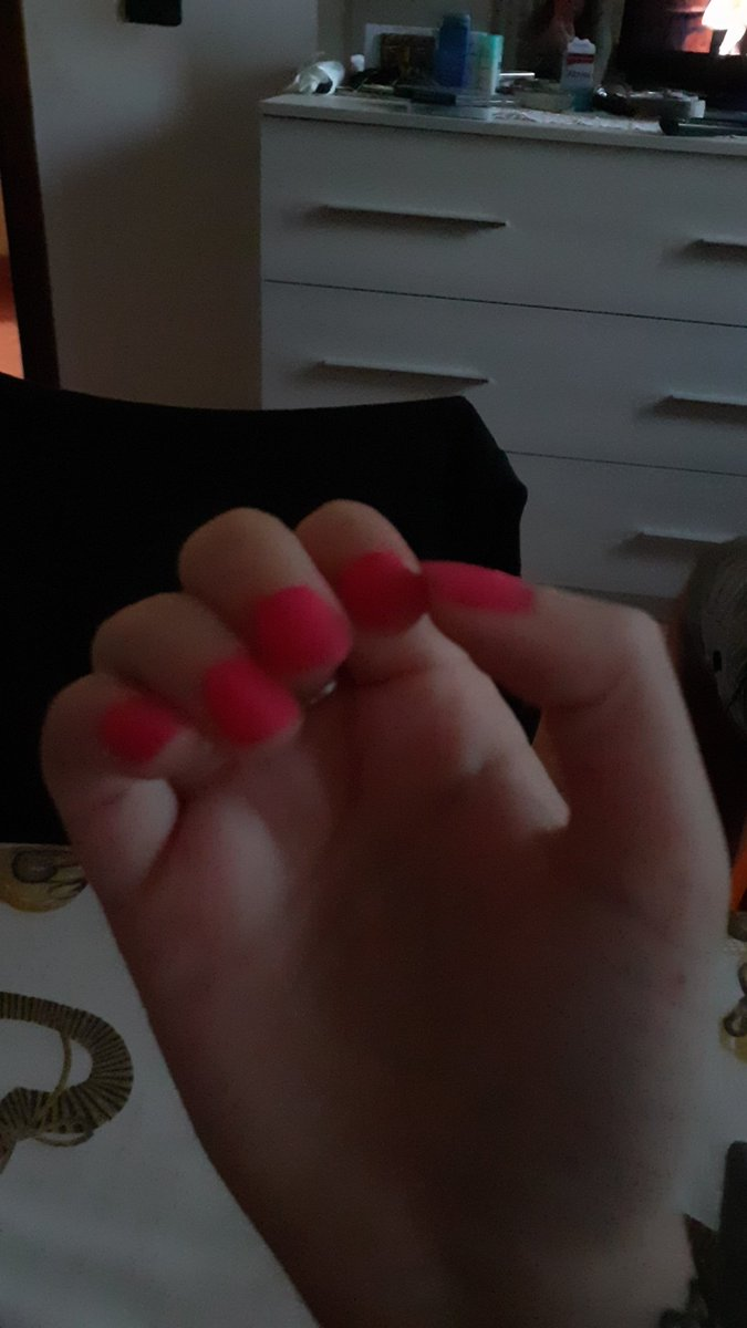 New nail polish by @Avon_Italy #pinkgel #Avon #avonitaly #giftfromafriend #nailpolish pic.twitter.com/neOLimYK3p