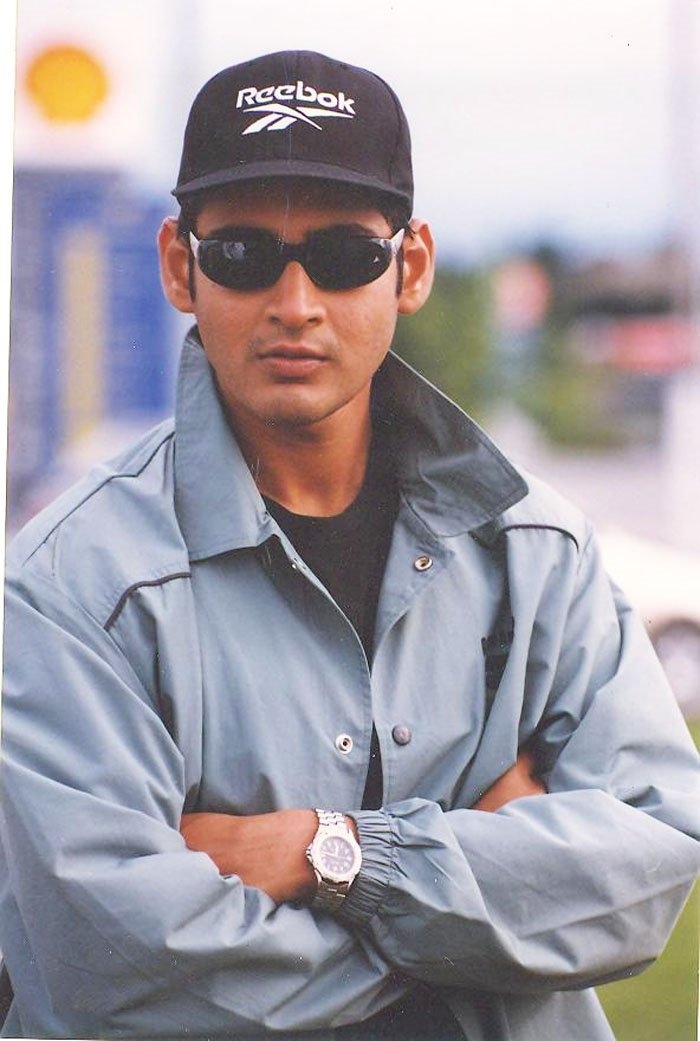 [2nd film ] - Yuvaraju   Romantic drama   He did experimental movie in the starting of his career by playing a father role in the movie.   One has to be daring and dashing to do such kind of roles.  @urstrulyMahesh   #HBDMaheshBabupic.twitter.com/cRIDb3UY78