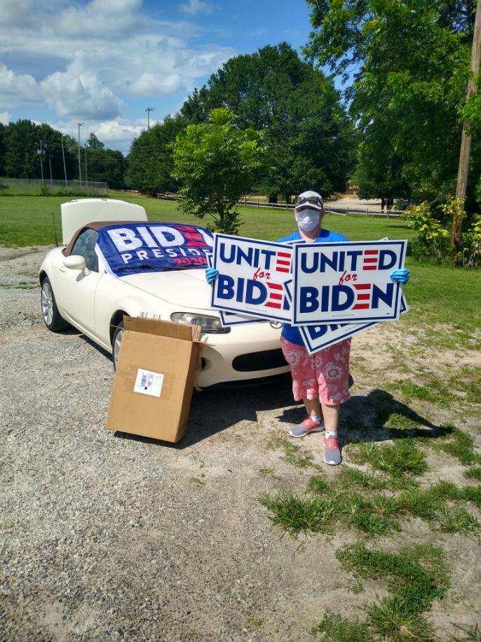 I saved you a #United4Biden sign and or garden flag? #SignsAcrossAmericapic.twitter.com/D5XNj2xXSI