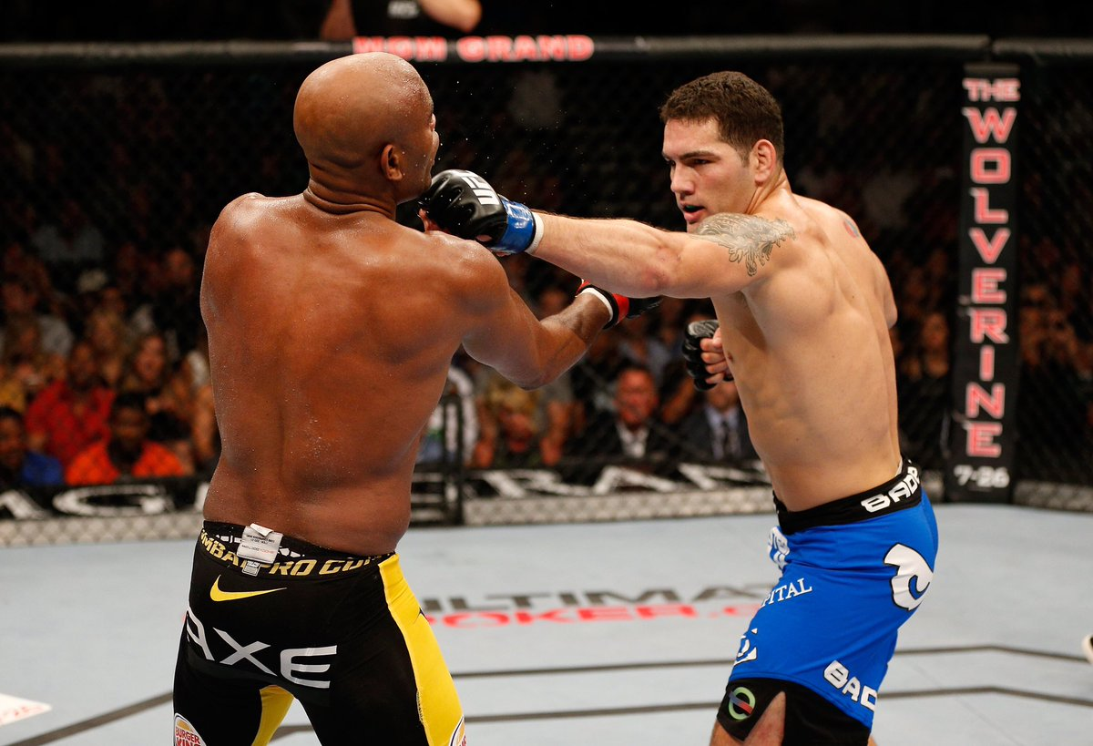 Good luck to The All-American @chrisweidman as he fights in the co-main event at #ufcvegas6 𝐓𝐎𝐍𝐈𝐆𝐇𝐓! The main card begins at 9 p.m. on ESPN+ #HofstraFamily #RoarWithPride https://t.co/st46miVzSV