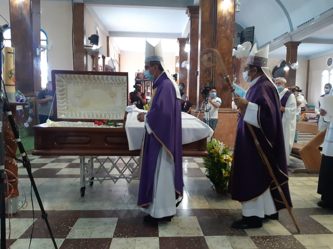 Obispos y clero salvadoreño piden justicia en el asesinato del sacerdote Cortez