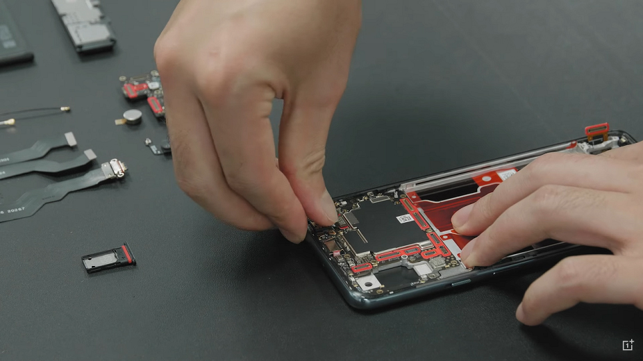 Techblog: OnePlus Nord: Ο Carl Pei συναρμολογεί τη συσκευή κομμάτι κομμάτι http://dlvr.it/RdG1v6pic.twitter.com/L7WdLetuFF