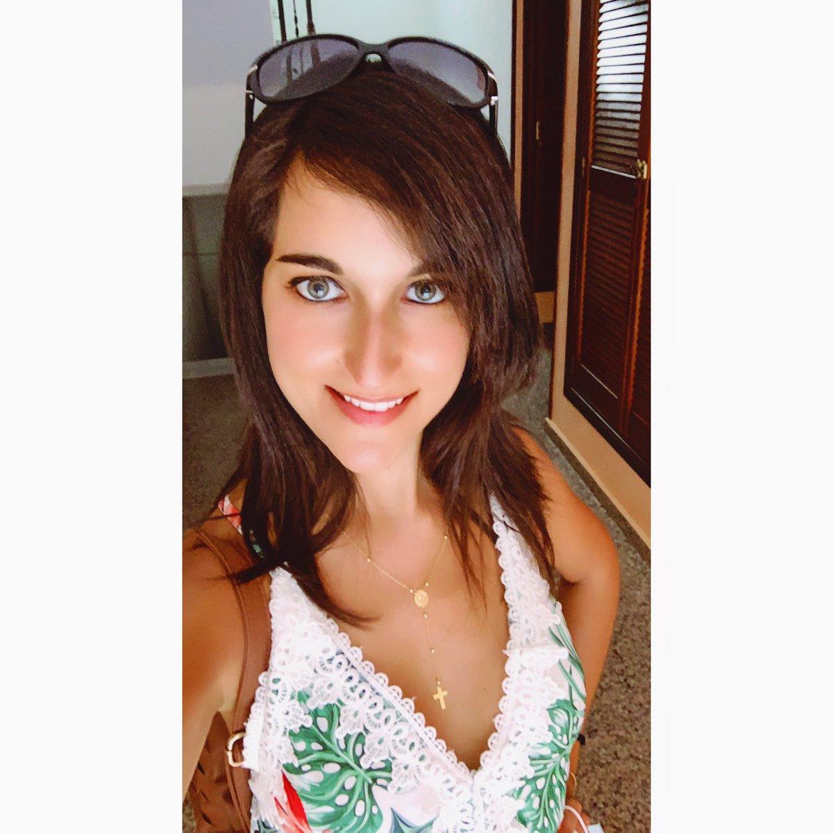 Tropical dress and mood! #InstaSelfie #Selfie #SelfieTime #PicOfTheDay #InstaPic #SelfieLover #Portrait #GreenEyes #Selfiegram #SelfieDay #InstaLook #EyesOfTheDay #PhotoOfTheDay #Myself #MySelfie #SelfieMania  http://instagram.com/p/CDo9SZio6va/pic.twitter.com/mIcUKVmPAE