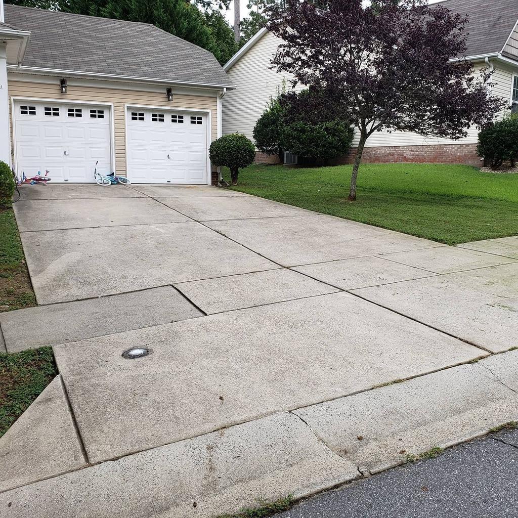 Client #3#lawn #lawncare #grass #landscaping #landscape #garden #lawnmaintenance #lawnmower #fashion #summer #lawnmowing #gardening #lawnservice #mowing #lawncarelife #landscapedesign #turf #backyard #spring #lawnstripes #yard #greengrass #sanasafinaz #s… https://instagr.am/p/CDo31VBBPtf/pic.twitter.com/Pe6dpRr0FO