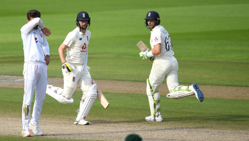 Chris Woakes and Jos Buttler- England vs Pakistan First test at Emirates Old Trafford