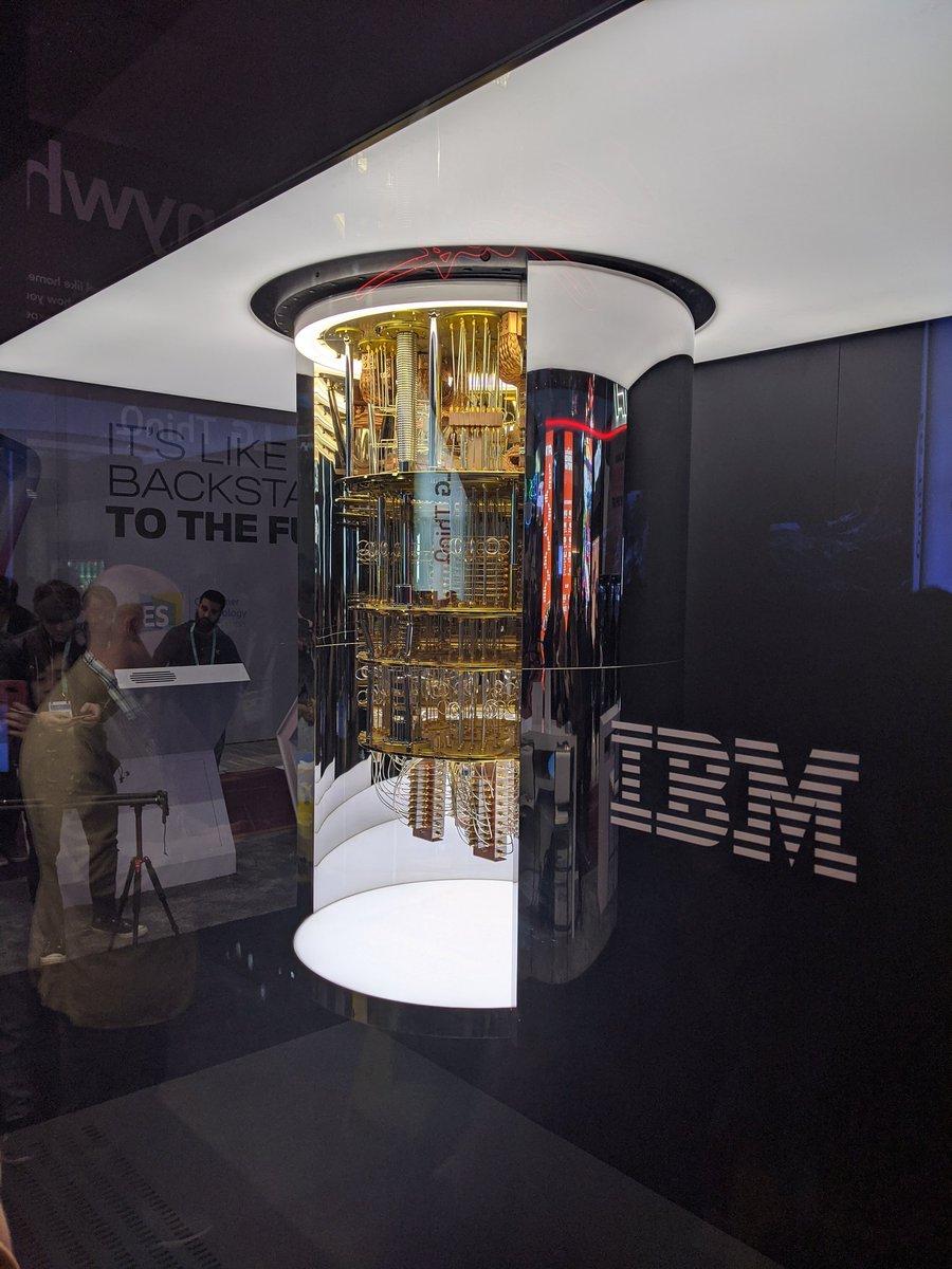 Computador cuántica de @IBM durante el pasado #CES2020 EN #LasVegas https://t.co/wsKhhVWtr3