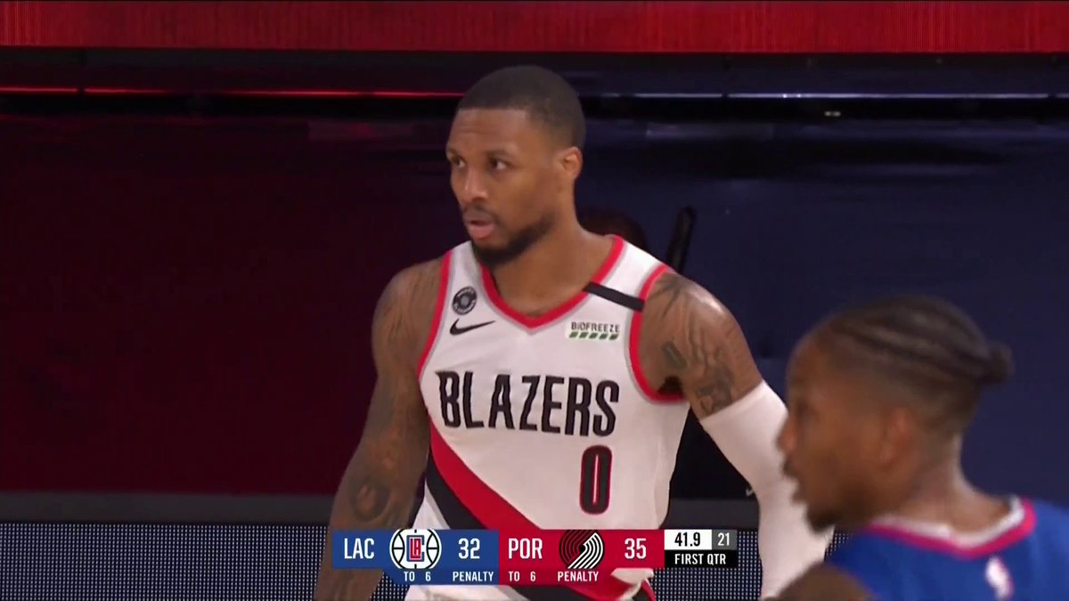 "Dame hits a step back three and tells Patrick Beverly who isn't playing ""I want you out here"" 👀 @WorldWideWob https://t.co/QCbDGbgoUN"