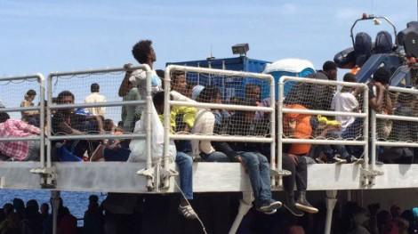 Emergenza migranti, una cinquantina di nordafricani in fuga dall'hotspot di Pozzallo - https://t.co/Nz4dqRR7sM #blogsicilianotizie