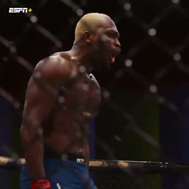 """You're gonna show these guys you're not a f---ing gatekeeper, right?""  UFC Destined goes behind the scenes for @DerekBrunson's win over Edmen Shahbazyan ▶️ https://t.co/BiXNDDJbNG https://t.co/O8cZQ24DyO"
