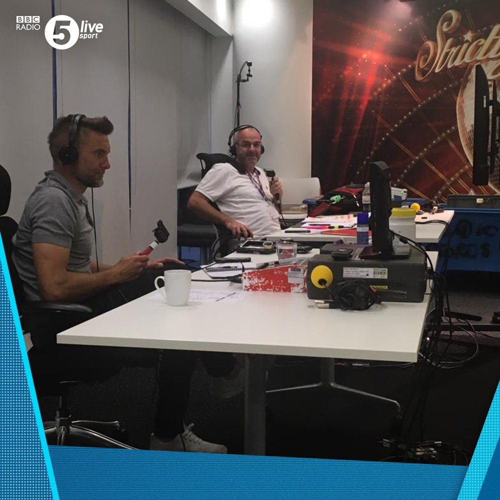 Allianz Arena ❌ Salford, Media City ✅  🎙️ @Iandennisbbc x @Robert1Green 🎙️  📸 Your commentary team this evening  53' - 🔴 Bayern Munich 2-1 Chelsea 🔵 (agg 5-1)  Join us on @BBCSounds 📲📻: https://t.co/5Du5Yilmm1 #UCL #BAYCHE https://t.co/fKve6QslBi