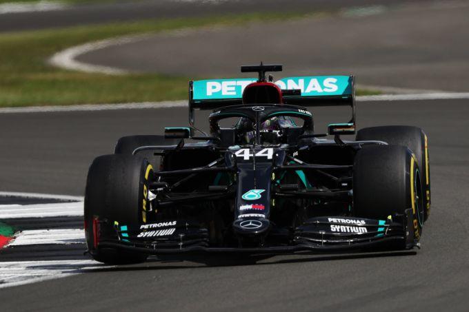 "Het toont de lef van Lewis Hamilton: ""Met lekke band 230 km/u over Hangar Straight""  #LewisHamilton #MaxVerstappen #Mercedes https://t.co/aoB3Hl3if6 https://t.co/baUSK0tDyG"