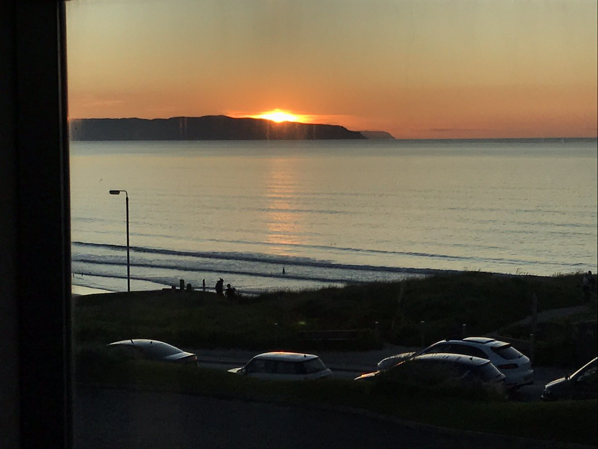 The view from the restaurant #eightteenninetyfour in @PortstewartGC for our #weddinganniversary dinner. Meal and view top class pic.twitter.com/4tcejenpiY