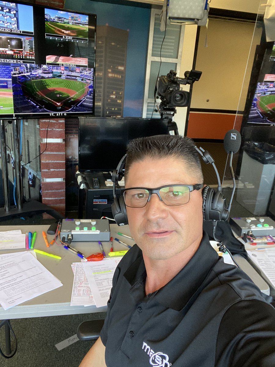 Thought I'd begin the game tonight like @RealCJ10 with the mic in the air....is this where it Geaux's  @Sut_ESPN and @BoogSciambi we got @Orioles vs @Nationals 6:05 ET....check it out on @masnOrioles #Birdland #Orioles #LetsGeaux ⚾️ https://t.co/V4mkNuNzSr