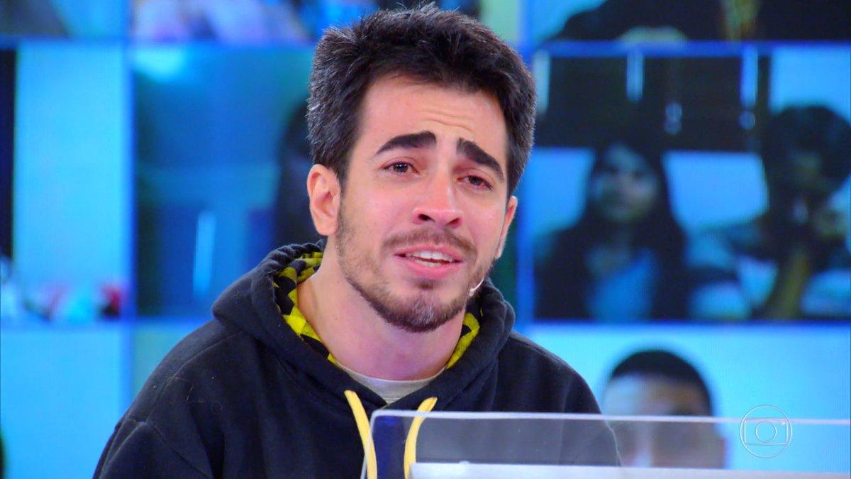 Participante do #QuemQuerSerUmMilionário com paralisia cerebral leva prêmio e chora ao homenagear o pai ➡️➡️ https://t.co/3rILsrfaEs #Caldeirão https://t.co/6MN372QoUx