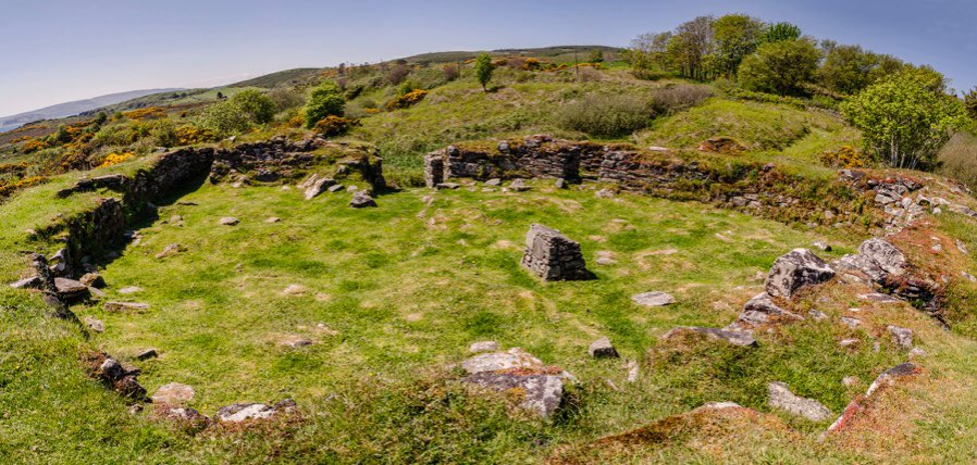 Kildonan Dun, Kintyre, where a 9thC bronze penannular brooch was found. The heart-shaped dun, which crowns a rocky knoll, may once have been roofed. ©Raymond Hosie https://t.co/ORtrB5gY9B