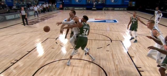 瘋狂36+19+14!東契奇比肩大神又創紀錄,還剩11秒准絕殺+橫掃公鹿!(影)-黑特籃球-NBA新聞影音圖片分享社區