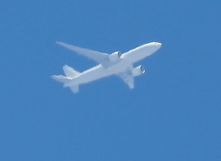 Southern Air Boeing 777-F1H N704GT was over the Bay Area as SOO8027 outbound RKSI heading for KLAX. This 777 is former A6-EFD of Emirates SkyCargo. Photos by CTP Watcher. pic.twitter.com/ArEyjKbTeL