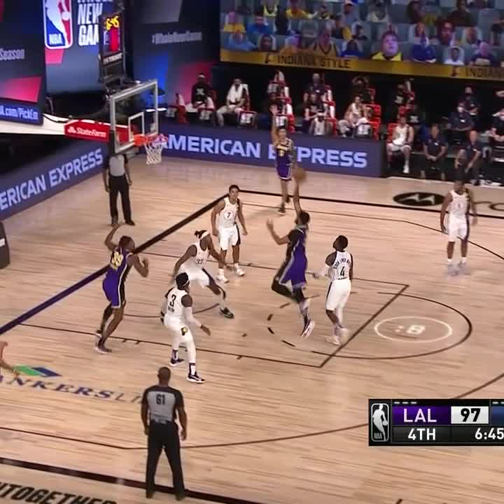 T.J. Warren iced the Lakers late 12 points in the 4th 🥶 https://t.co/KmYi1IbNA9