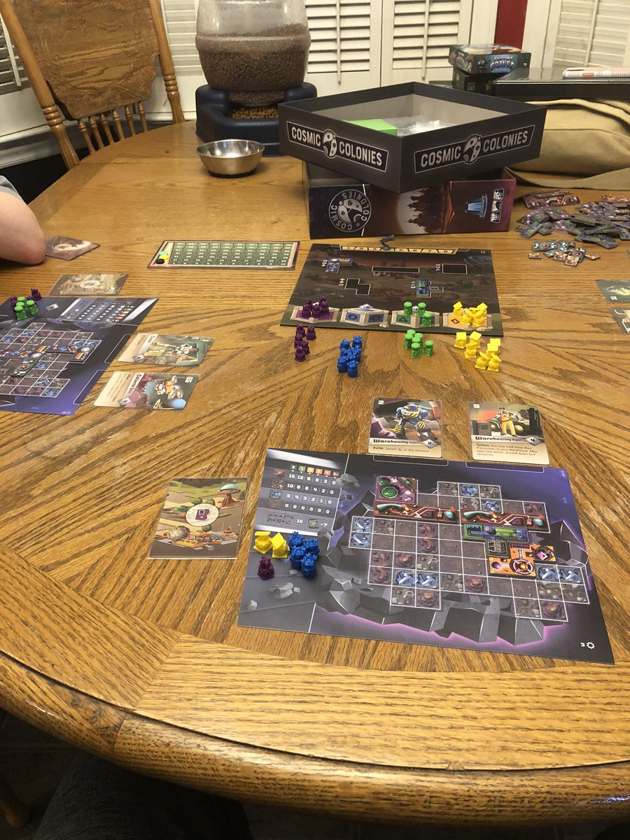 Yay #CosmicColonies came in so we can get it to the table.    It's reaaaaalllly good.  #BoardGames #GenConOnline #GenCon2020 #GenCon https://t.co/pWzpt3sUe6