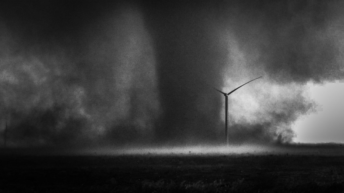 Churning across the dusty field south of Lubbock, TX! This dusty #twister dances around in a windfarm as we view from close range! #tornado @StormHour #photography #blackandwhite  May 5th, 2019pic.twitter.com/cf2MG57HnB