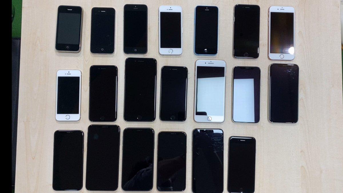 iPhone3Gs,iPhone4,iPhone5,iPhone5s,iPhone5c,iPhone6,iPhone6s,iPhoneSE,iPhone7,iPhone7Plus,iPhone8,iPhone8Plus,iPhoneX,iPhoneXR,iPhoneXs,iPhoneXsMax,iPhone11,iPhone11Pro,iPhone11ProMax,iPhoneSE 3Gと4sと6Plus,6sPlusがどっかいった pic.twitter.com/eNcz4ceiyb