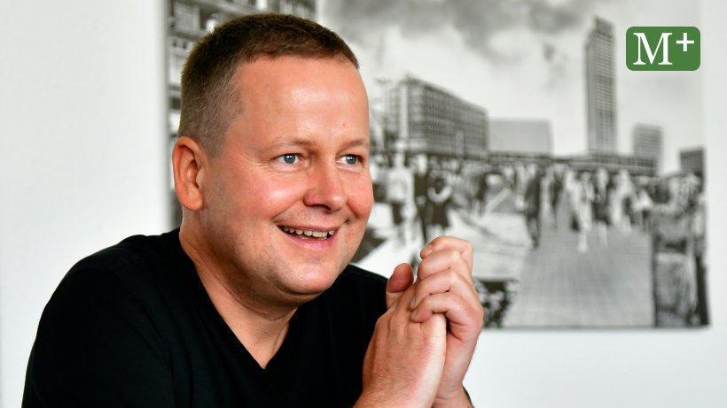 Kultursenator Klaus Lederer möchte vor allem die kleinen Kulturstätten über die Krise retten. Sonst stirbt Berlins Kulturlandschaft. https://www.morgenpost.de/berlin/article230126830/Klaus-Lederer-Die-Corona-Regeln-sind-nicht-ohne-Widerspruch.html?utm_term=Autofeed&utm_medium=Social&utm_source=Twitter#Echobox=1596949156…pic.twitter.com/74NApcIuvl