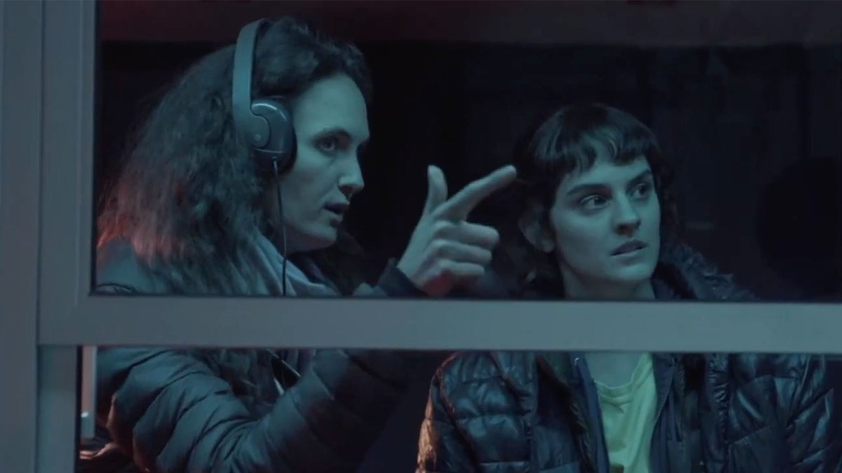 Zoé Wittock เล่าถึงจุดกำเนิดของหนัง #Jumbo #รักฉันมันจัมโบ้ เธอบอกว่าหนังเรื่องนี้เริ่มต้นขึ้นเมื่อเธอไปอ่านบทความนึงที่เกี่ยวกับคนแต่งงานกับหอไอเฟล และเรียกตัวเองว่า 'เอริก้า ไอเฟล'  หลังจากนั้นเธอก็ติดต่อเอริก้าไปเพื่อขอข้อมูลปรากฎคือเธอค้นพบสิ่งที่เรียกว่า 'objectum sexuals' https://t.co/cNL93vWc8d