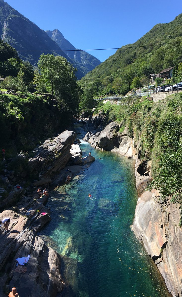 Did a 10k hike in the beautiful Verzasca Valley in Ticino. Water ice cold!  Also saw the  James Bond dam at the end of the valley (Golden Eye). Watched a woman bungee jump off it.  #hiking #Ticino #Switzerlandpic.twitter.com/Lg44IT7aJ6