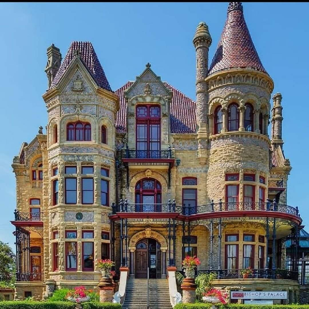 Bishops Palace built in 1892 in Galveston, TX 📷 @VictorianDepot