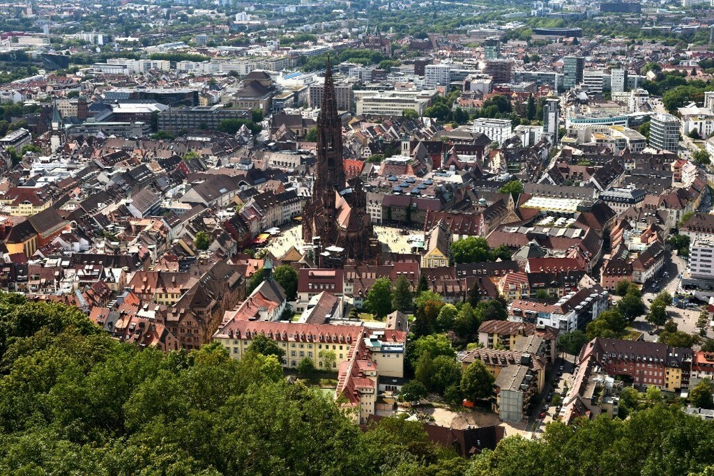 Freiburg und Münster #freiburg #germany #deutschland #europe #photo #photography #picture #nikon #nikonfoto #nikonphotography #nikonphoto #nikonphoto_ #zoomnl #iamnikon #nikonfotografie #nikonnl #nikkor #flickrfeature #beautiful #city #cityphotography #c… https://instagr.am/p/CDLjg9en_LY/pic.twitter.com/76iT0Zg92p