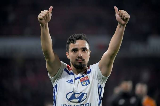Rafael from Olympique Lyonnais has emerged as the favourite to replace Omar Elabdellaoui at #Olympiakos, with strong rumours that the Norwegian will depart for Galatasaray after his contract ends. #SLGR https://t.co/dSf23yxUU3