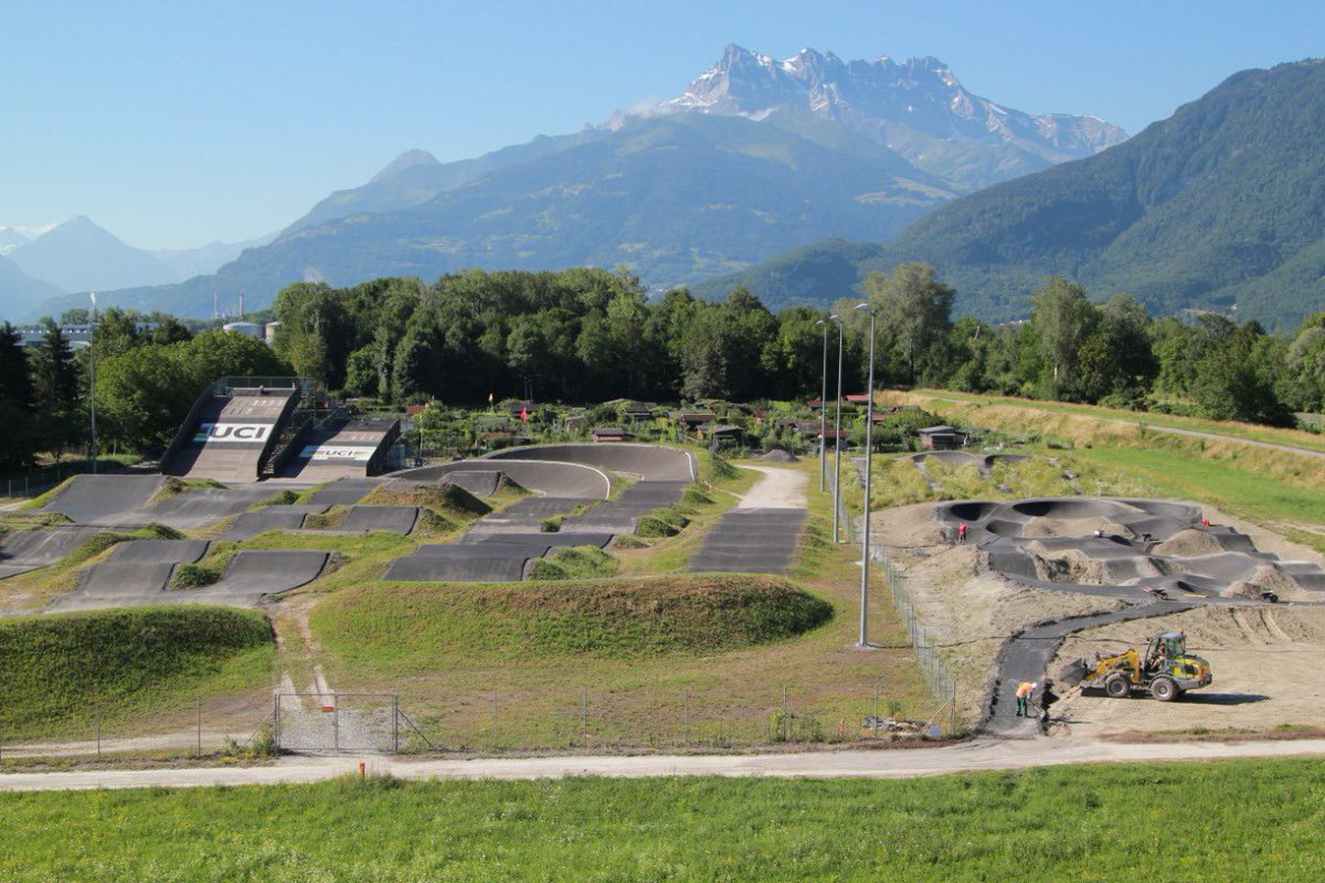 Sneak peek of the extension of the UCI playground in Aigle. New pump track added. https://t.co/ARuyWGHRze
