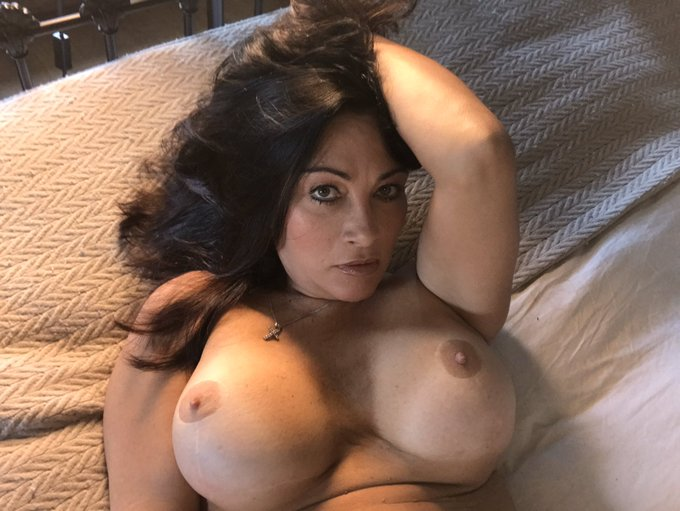 Come and join me on https://t.co/7xgkJDoSKi and on https://t.co/0cxTWDmsFz 😘😘😘 https://t.co/NB5WRMcR