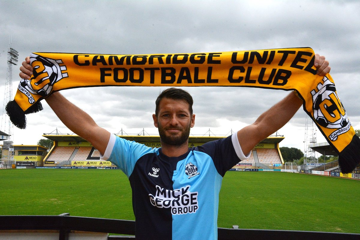 DONE DEAL | Wes Hoolahan has signed for @CambridgeUtdFC #COYBIG
