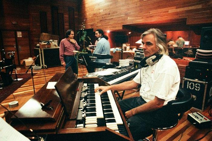 On this day in 1943, Richard Wright was born in Hatch End, Middlesex. https://t.co/2rGofYWWix