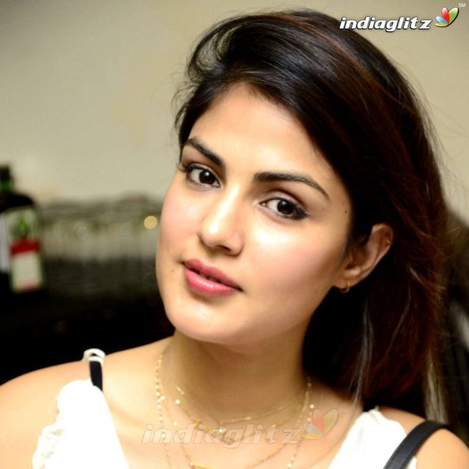 Rhea Chakraborty  IMAGES, GIF, ANIMATED GIF, WALLPAPER, STICKER FOR WHATSAPP & FACEBOOK
