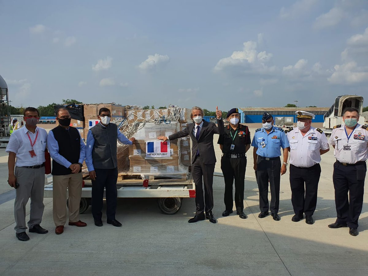 French Govt gifted Ventilators & other Medical Equipment to India at a ceremony held at AF Stn Palam, New Delhi, today. The equipment was flown in a French Air Force Airbus A330 Multi Role Tanker Transport (MRTT) aircraft. (1/3) #lndianAirForce @FranceinIndia @Indian_Embassy