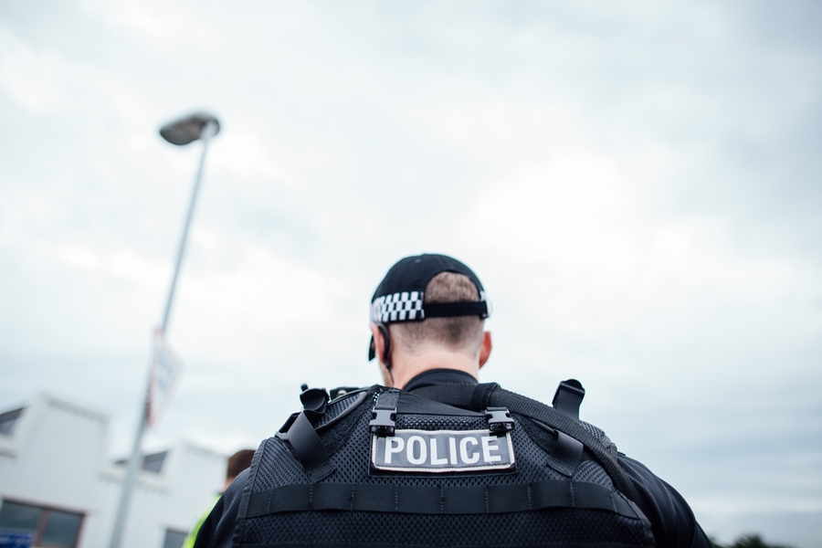 ❌ Police are appealing to air weapon owners to be responsible and reminding the public that it is an offence for anyone under the age of 18 to be in possession of an air weapon or ammunition in a public place unless accompanied by a person aged 21 or older. https://t.co/122QwfCDY8
