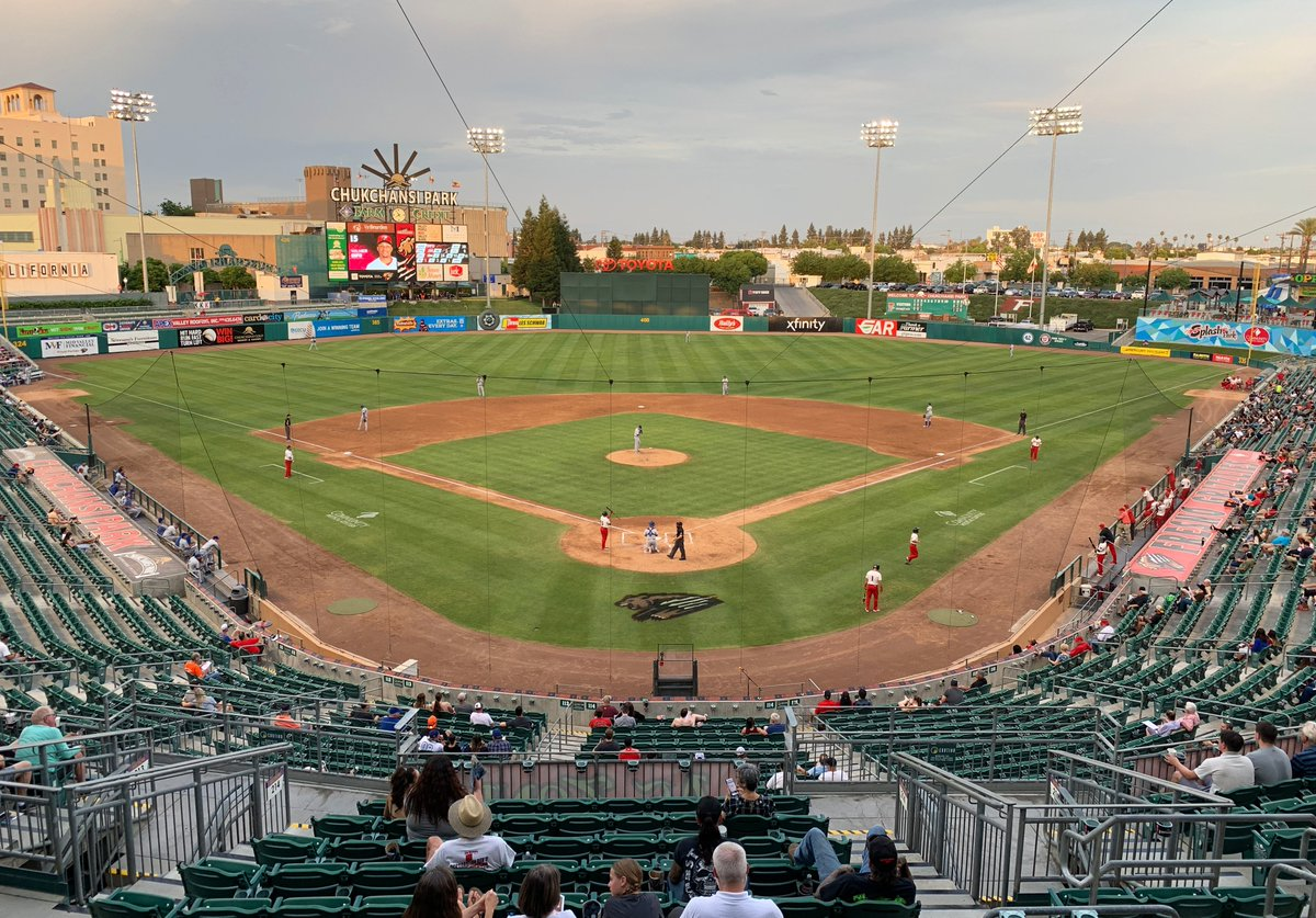 NEW: Chukchansi Park in Fresno -- opened in 2002 and seating 10,500 -- where we watched the Triple-A @FresnoGrizzlies blow out the @OMAStormChasers on Day 7 of our 2019 California Baseball Road Trip. Full story plus photos and video at mappingthepath.com/day-7-fresno-g…