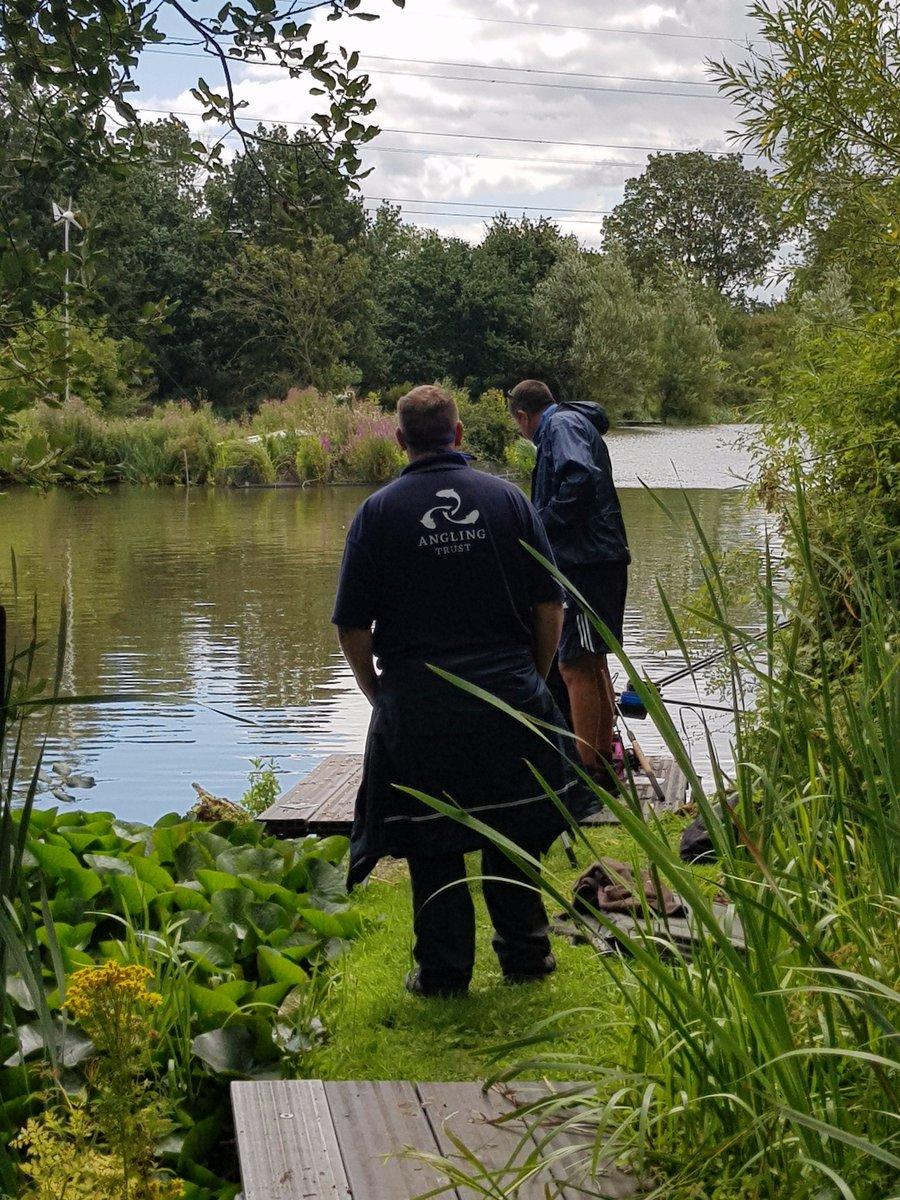 PC Wilkes, Sgt Slattery & PCSO Jones spent a few hours today with @AnglingTrust Volunteer Bailiffs around fishing pools in S.Staffs & Cannock, checking rod licenses and engaging with pool owners and fishermen. All been very positive and they seemed pleased to see us 😊👍🎣 https://t.co/g0Nje3BvcV