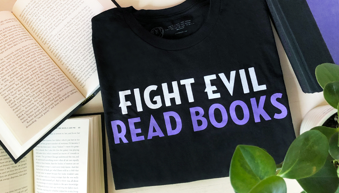 FIGHT EVIL, READ BOOKS! 👾🥊 (in collaboration with @OutofPrintTees) 👕: bit.ly/3jM5EUL