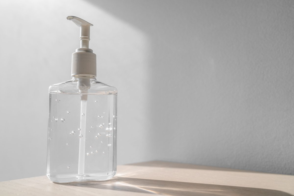 """If your alcohol-based hand sanitizer is on @FDA's """"Testing and Manufacturer's Recalls"""" list, stop using it immediately and dispose of it in an appropriate hazardous waste container. Do not flush or pour it down the drain. bit.ly/3e85sLd"""