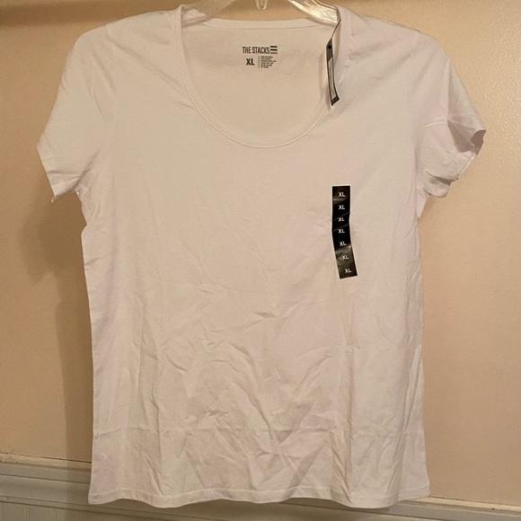 So good I had to share! Check out all the items I'm loving on @Poshmarkapp #poshmark #fashion #style #shopmycloset #thestacks #louisonparis #jackbybbdakota: https://t.co/pwhVSa3N7y https://t.co/v061K0260h