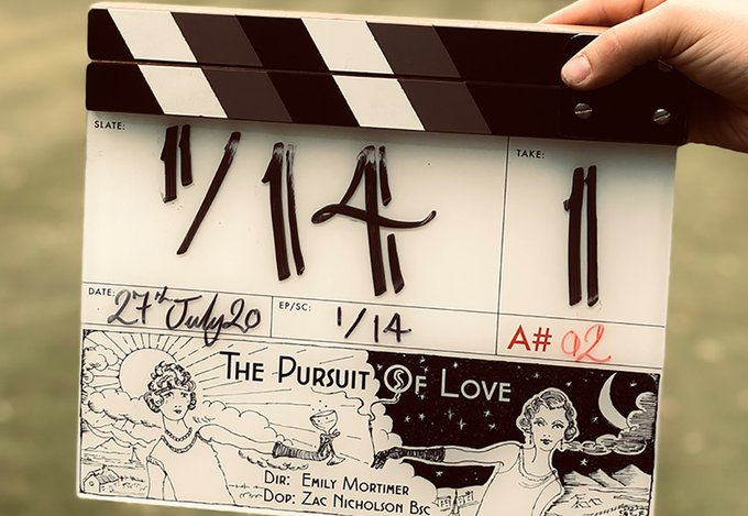 The Pursuit of love BBC, l'adaptation du roman de Nancy Mitford avec Lily James EeCQoxoXgAI_6ee?format=jpg&name=small