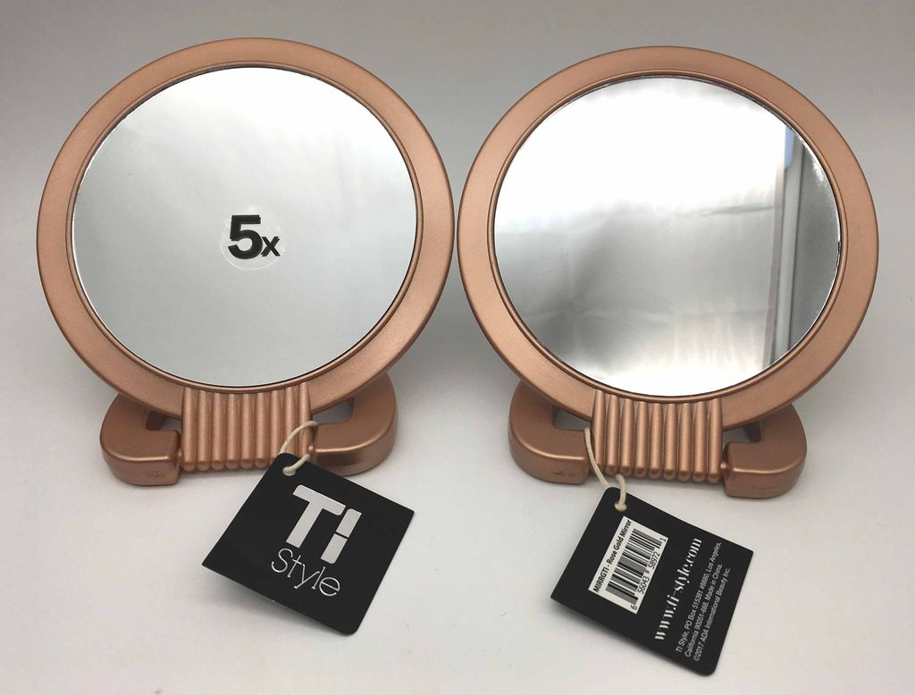 Double Sided Pedestal Mirror - Rose Gold This mirror has regular view 1x and magnified view 5x for best detail. In stock now: https://bit.ly/2X2k9Kk  #tistyle #beautytips #mirror #travel #travelmirror #rosegold #pedestalmirror #easytravel #magnifypic.twitter.com/6Ob0oq9ph5